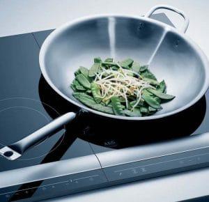 Wok inductie koken